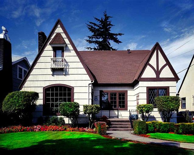 Современное домовладение. Готовые дома из СИП панелей