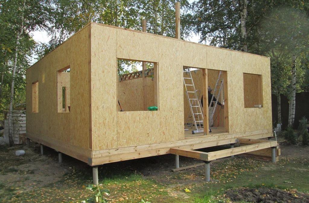 Маленький домик из СИП панелей