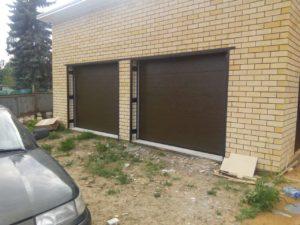 Установка гаражных ворот-рольставен